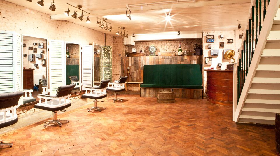 hairdressers in clapton interior
