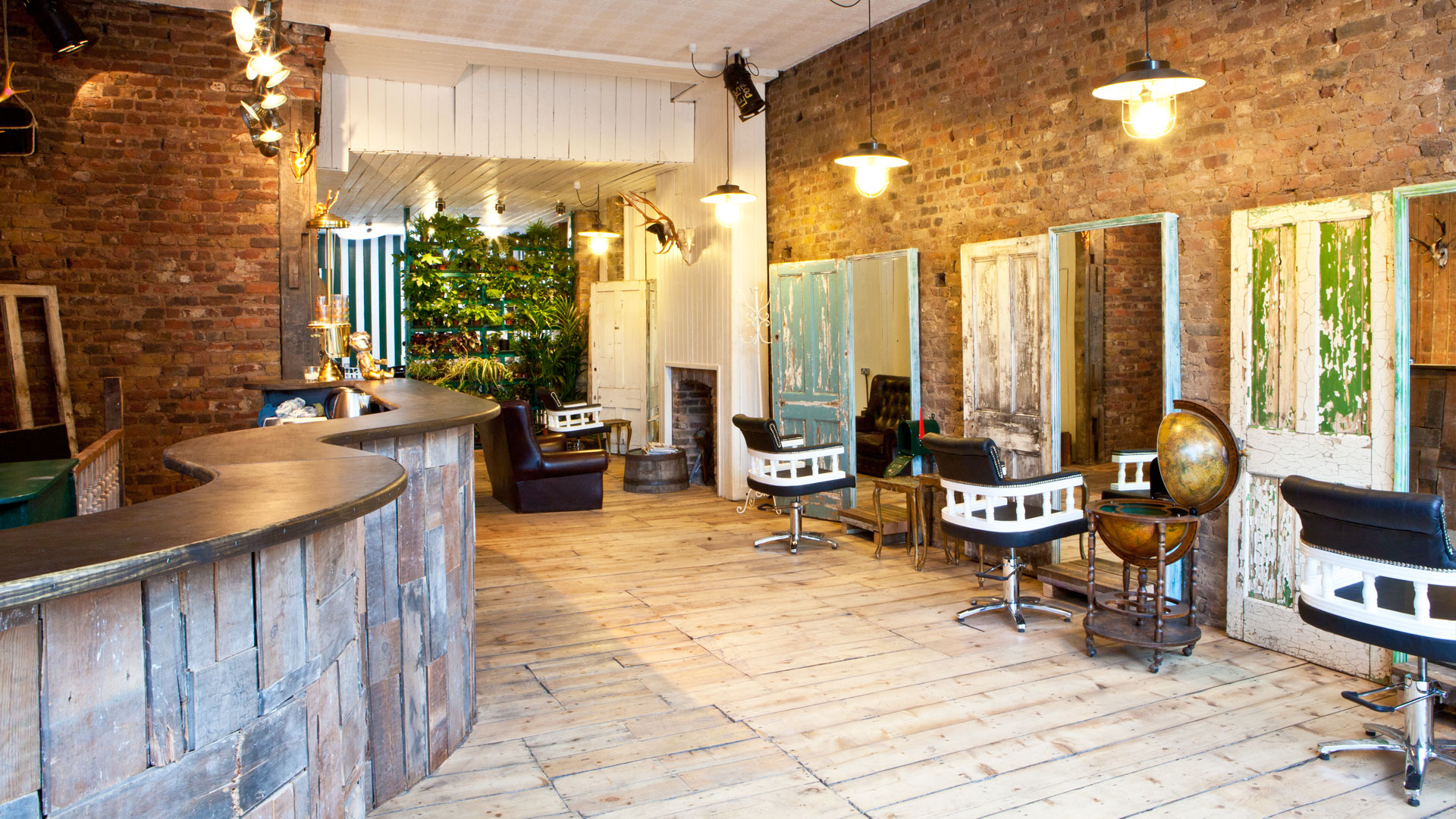 hairdressers in clapton reception area