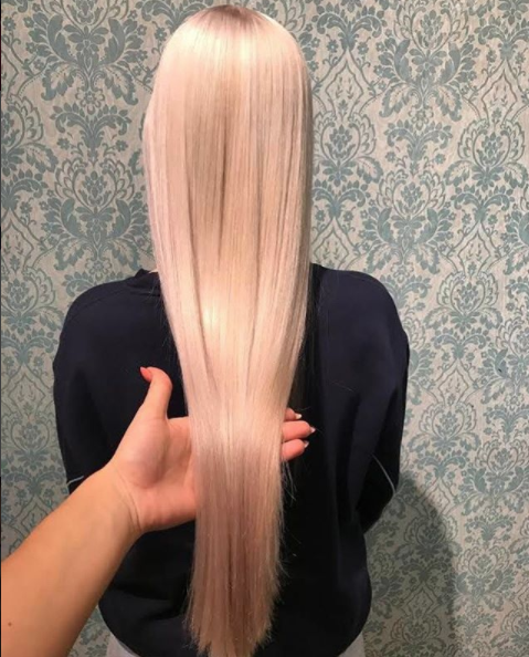 hair resolutions for 2018 - blonde hair by Kamila at the Dalston salon